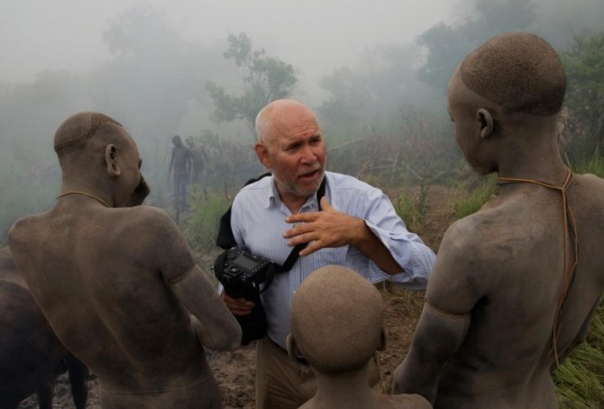 STEVE MCCURRY'S GAZE… AND BEYOND